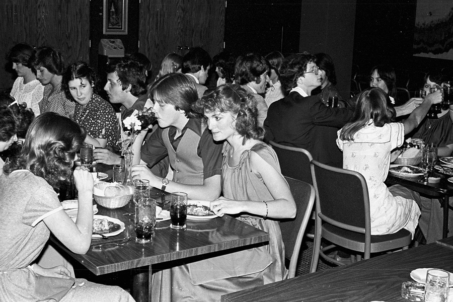 1979-1980-Cambia-Log-Dinner-01.jpg